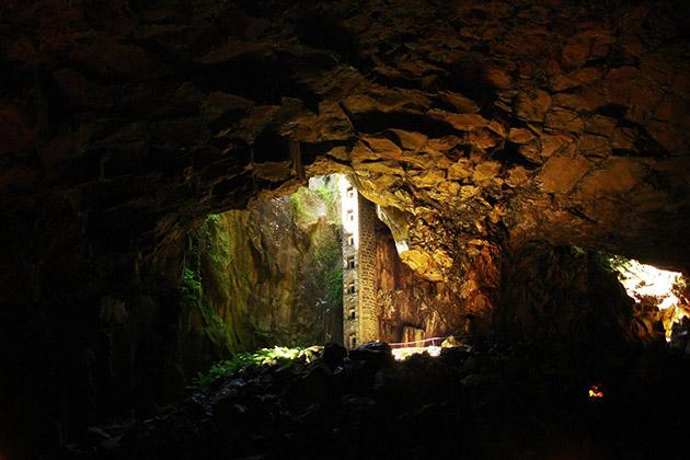 Furna do Enxofre, Graciosa island (Azores)